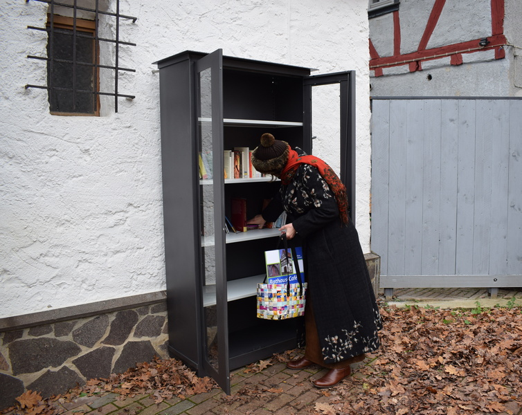 Bücherschrank Burgholzhausen
