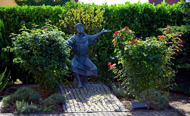 Franziskus Statue Burgholzhausen